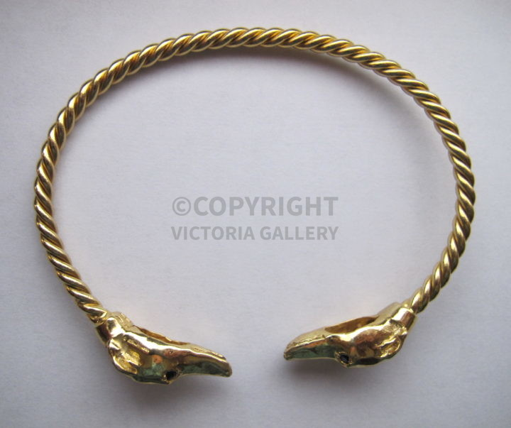 New 9ct Gold Greyhound Bangle with Sapphire Eyes