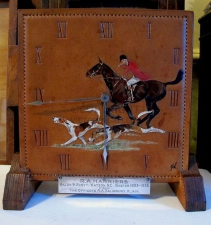 SA19. Swaine & Adeney Leather Clock. Presentation from the R.A. Harriers c1938